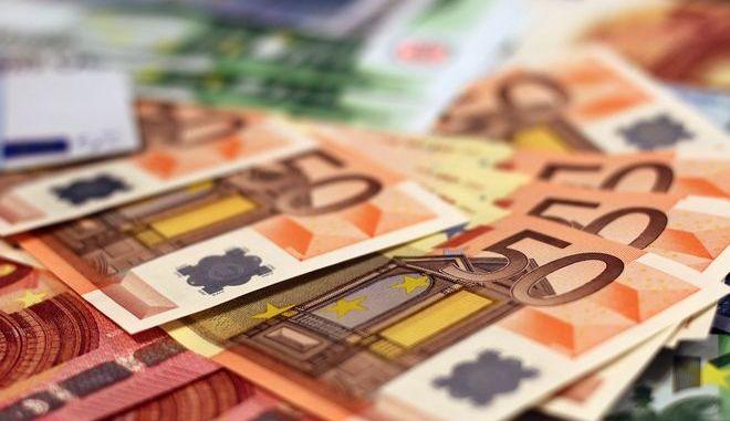 Φόροι 2019: Ποιοι μειώνονται και ποιοι αυξάνονται