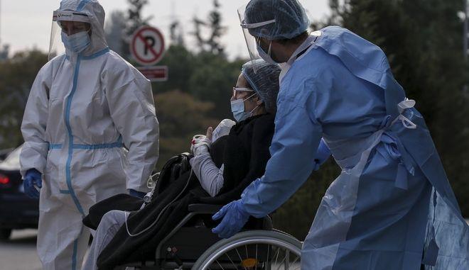 Νοσηλευτές στη Θεσσαλονίκη