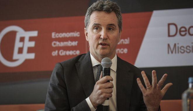 Ο επικεφαλής του κλιμακίου της Ευρωπαϊκής Επιτροπής στους θεσμούς Ντέκλαν Κοστέλο μιλώντας στο διεθνές συνέδριο του Οικονομικού Επιμελητηρίου Ελλάδας.