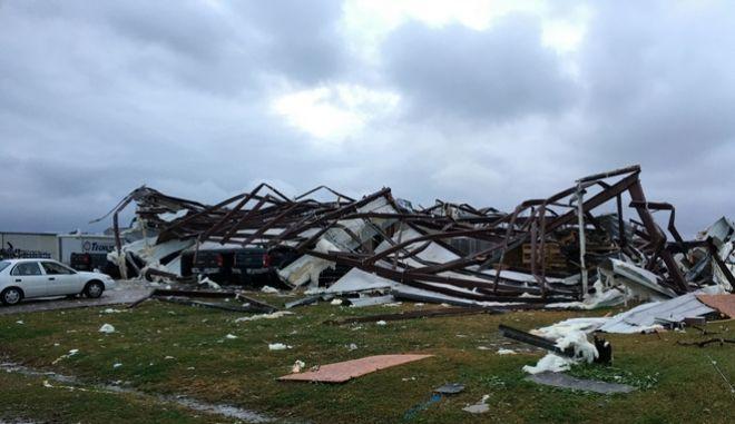 Σπίτι στη Λουιζιάνα κατέρρευσε.