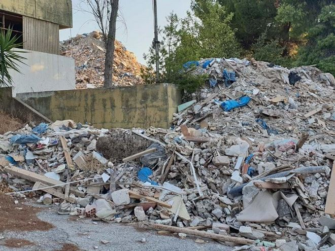 Σχιστό: Μετέτρεψαν εγκαταλελειμμένο θεραπευτήριο σε χωματερή