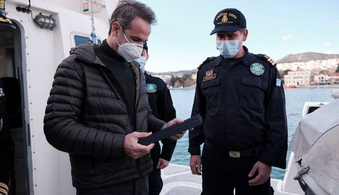 Στη Λέσβο ο Μητσοτάκης: Το ευχαριστώ σε Ένοπλες Δυνάμεις, Λιμενικό και Αστυνομία