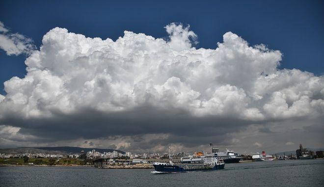 Άποψη από το λιμάνι του Πειραιά