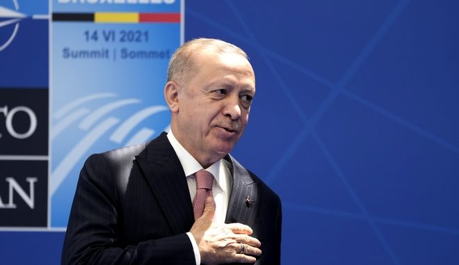 """Ο Ερντογάν έκανε λόγο για """"αναβίωση διαύλων διαλόγου με την Ελλάδα"""""""