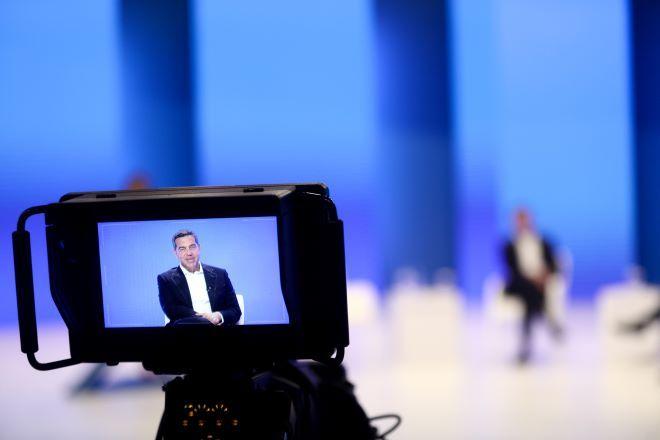 Γιατί ο Τσίπρας επέλεξε να μιλήσει για αυξήσεις μισθών στην γενική συνέλευση του ΣΕΒ