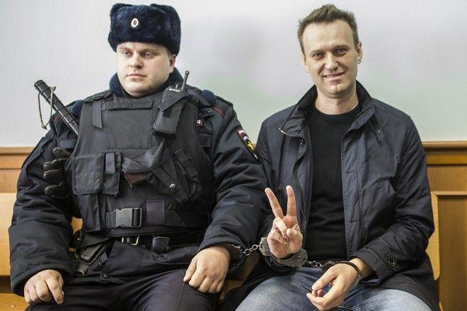 Ο Αλεξέι Ναβάλνι λίγο πριν τη δίκη του το 2017