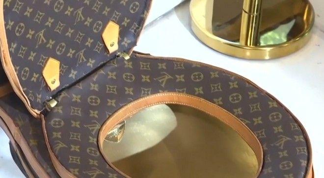 Η πιο ακριβή και 'μοδάτη' τουαλέτα στον κόσμο είναι φτιαγμένη από... 24 τσάντες Louis Vuitton