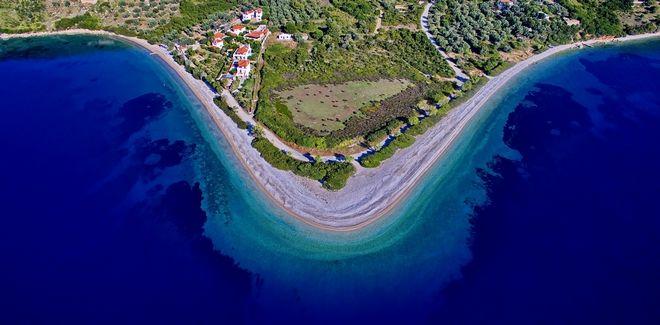 Αεροφωτογραφία των ακτών της Αλοννήσου