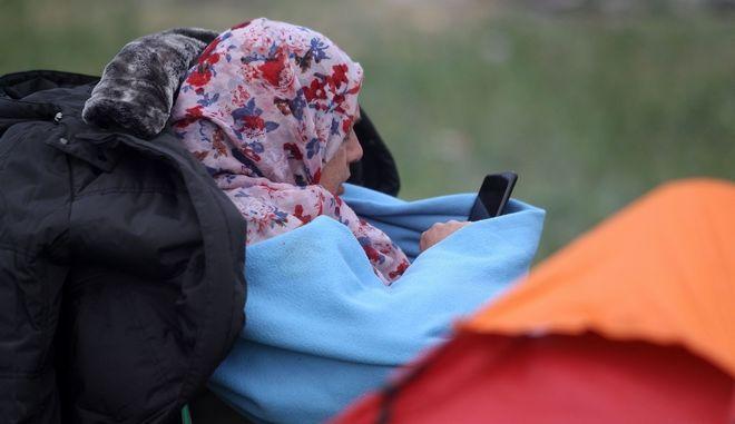 Πρόσφυγας σε κέντρο φιλοξενίας