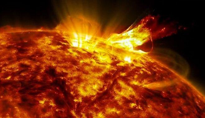 Μοναδικό βίντεο: Τα φλεγόμενα φτερά του ήλιου