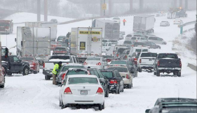 Χειμερινή θύελλα στις κεντρικές Ηνωμένες Πολιτείες, σε κατάσταση έκτακτης ανάγκης το Κάνσας