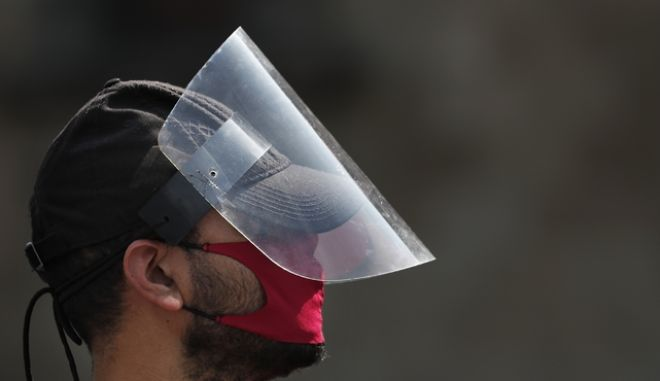 Άνδρας με μάσκα στο Μεξικό