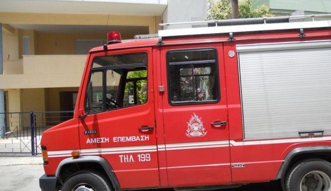 Φωτιά σε υπόγειο διώροφου κτηρίου στη Νέα Χαλκηδόνα