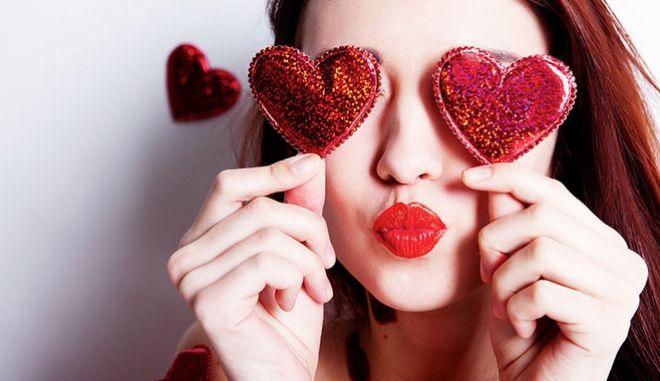 Κουίζ: Πόσο καλά γνωρίζεις τον έρωτα που περνά απ' το στομάχι;