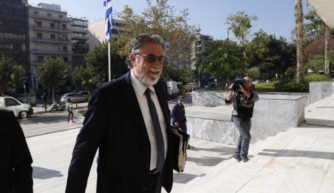 Ο πρώην υπουργός Προστασίας του Πολίτη Γιάννης Πανούσης, προσέρχεται στο γραφείο του αντεισαγγελέα του Αρείου Πάγου, προκειμένου να καταθέσει σχετικά με όσα έχει καταγγείλει περί ευθυνών κατά της ζωής του και της οικογένειάς του καθώς επίσης και για την μηνυτήρια αναφορά του υπουργού Δικαιοσύνης Ν. Παρασκευόπουλου και του αναπληρωτή υπουργού Προστασίας του Πολίτη Ν. Τόσκα. (EUROKINISSI/ΣΤΕΛΙΟΣ ΜΙΣΙΝΑΣ)