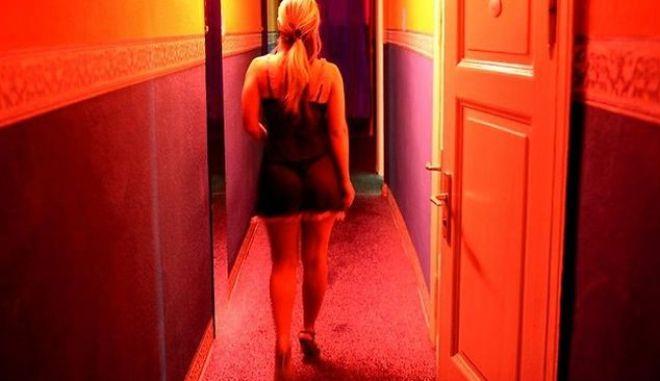Στην Ελλάδα ζουν 20.000 σκλάβες του σεξ. (Προφανώς εσύ δεν έχεις δει ούτε μία)