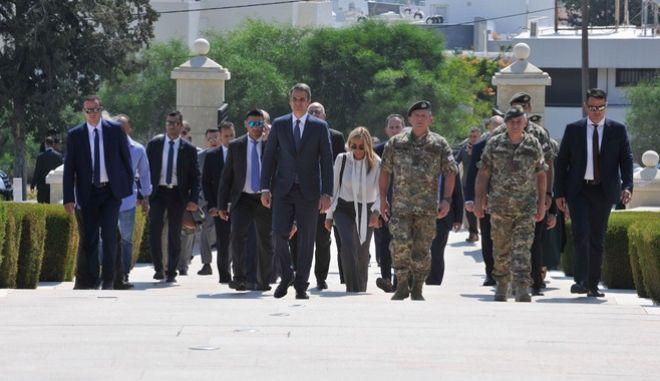 Ο πρωθυπουργός της Ελλάδας Κυριάκος Μητσοτάκης επισκέπτεται τον Τύμβο Μακεδονίτισσας όπου κατέθεσε στεφάνι. Στη συνέχεια βρέθηκε στην ΕΛΔΥΚ