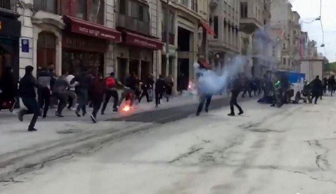 Επεισόδια στην Ταξίμ. Χτύπησαν οπαδούς του Ολυμπιακού