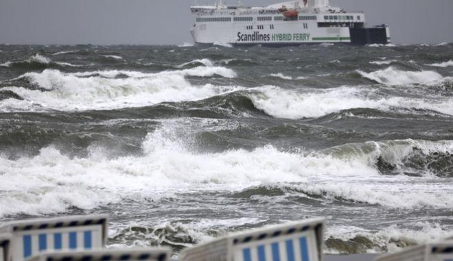Θυελλώδεις άνεμοι πλήττουν τη Γερμανία.