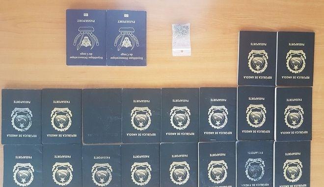 Τον έπιασαν με 20 πλαστά διαβατήρια που παρήγγειλε από την Τουρκία