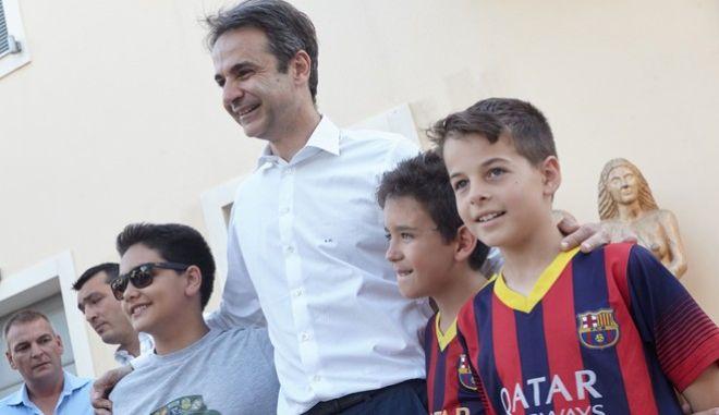 Το Μενίδι επισκέφθηκε o  Πρόεδρος της Νέας Δημοκρατίας  Κυριάκος Μητσοτάκης ,σήμερα  Πέμπτη 16 Ιουνίου.(Eurokinissi)
