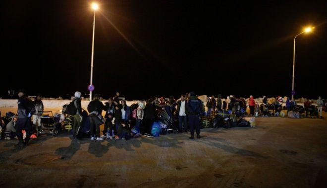 Πρόσφυγες - μετανάστες