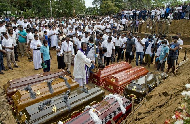 Σρι Λάνκα: Θρήνος στις κηδείες των θυμάτων