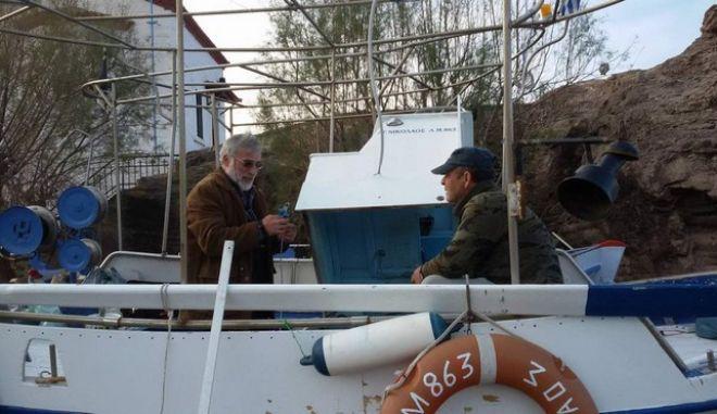 Η καμπάνια του NEWS247 και του TVXS πέτυχε: Επισκευάζονται δύο βάρκες στη Λέσβο