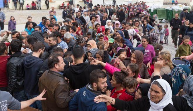 'Άγνωστος Χ' η Τουρκία στο προσφυγικό