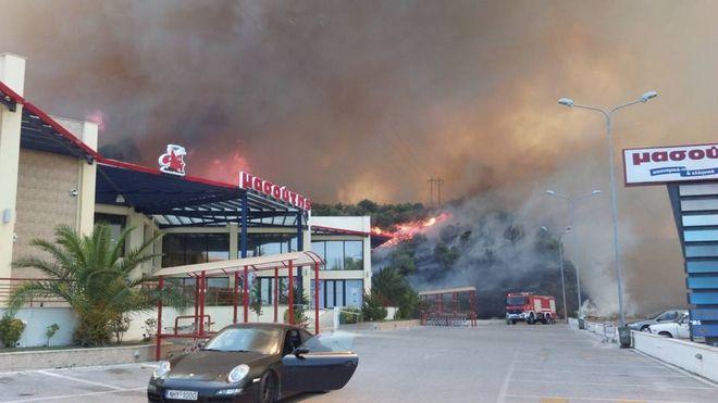 Σε ύφεση πλέον η φωτιά στον Ν. Μαρμαρά Χαλκιδικής