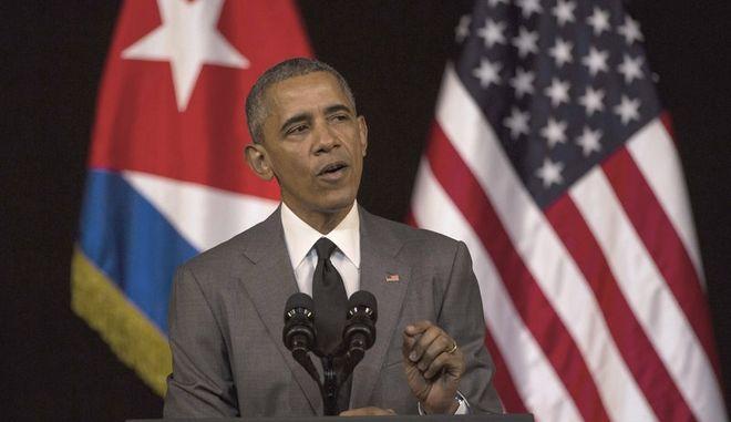 Ο Ομπάμα καταδικάζει τις επιθέσεις στις Βρυξέλλες