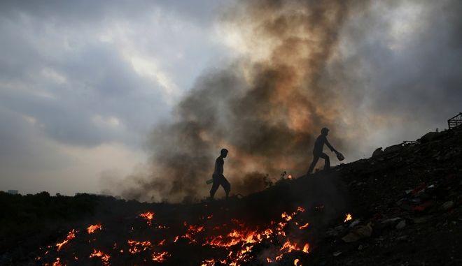 Καύση απορριμάτων (ΦΩΤΟ Αρχείου)