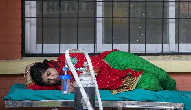 Ασθενής με κορονοϊό στο Νεπάλ
