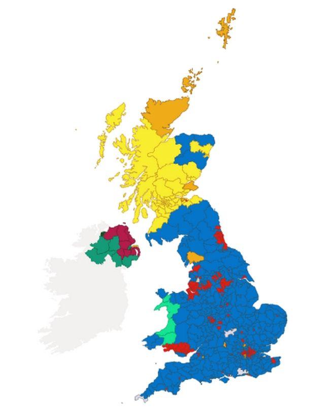 Η Μ. Βρετανία βάφτηκε μπλε, το Κόκκινο Τείχος