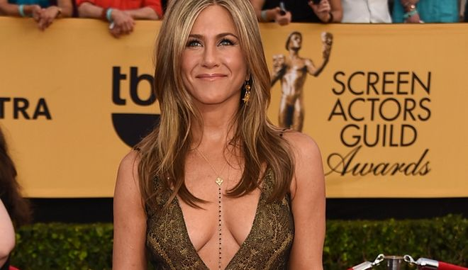 Jennifer Aniston arrives at the 21st annual Screen Actors Guild Awards at the Shrine Auditorium on Sunday, Jan. 25, 2015, in Los Angeles. (Photo by Jordan Strauss/Invision/AP)