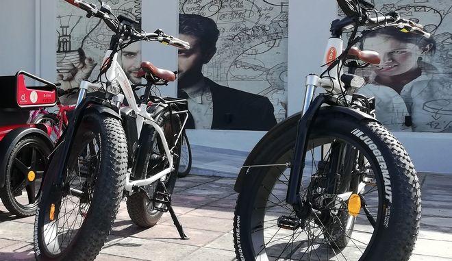 Ηλεκτρικά ποδήλατα.