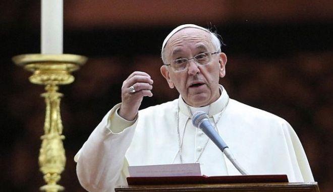 Και συγγραφέας ο Πάπας Φραγκίσκος
