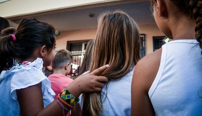 Στιγμιότυπα από το 7ο Δημοτικό σχολείο στο Γαλάτσι,λίγο μετά τον αγιασμό για την έναρξη της νέας σχολικής χρονιάς