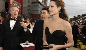 Η Αντζελίνα Τζολί διεκδικεί το Όσκαρ σκηνοθεσίας