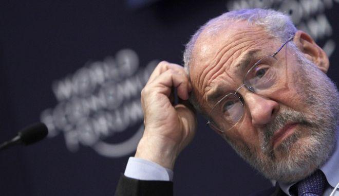 Ο Αμερικανός νομπελίστας οικονομολόγος Τζόζεφ Στίγκλιτς