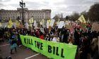 Πορείες και συγκεντρώσεις σε ολόκληρη τη Βρετανία κατά του νομοσχεδίου για τον περιορισμό των διαδηλώσεων