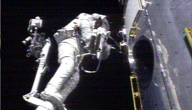 Το διάστημα φαίνεται να αλλάζει το σώμα, δείχνει η πρωτοποριακή μελέτη των δίδυμων αστροναυτών Κέλι