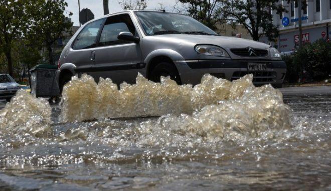 Προβλήματα στους δρόμους από καταιγίδα