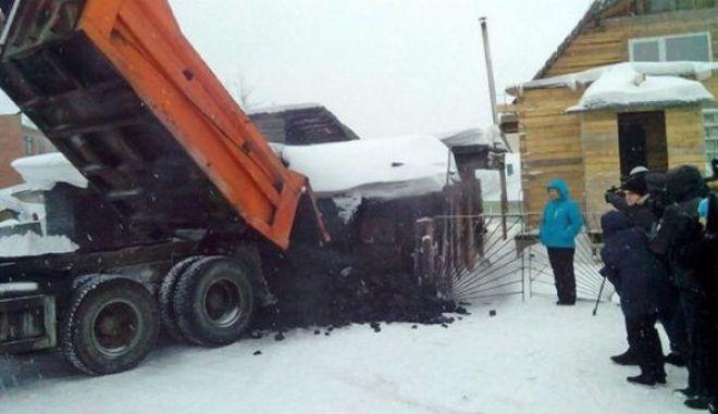 Νοσοκόμα από τη Σιβηρία έχασε 30 κιλά και κέρδισε 5 τόνους... κάρβουνο