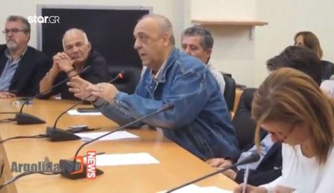 """Αντιδήμαρχος Ναυπλίου: """"Το Πάσχα θα σουβλίζουμε αρνιά και οι μετανάστες σκύλους"""""""