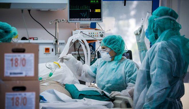 """Διασωλήνωση σε  Μονάδα εντατικής θεραπείας στο νοσοκομείο """"ΣΩΤΗΡΙΑ""""."""