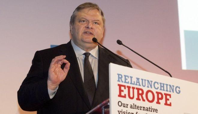 """Εκδήλωση με θέμα """"Relaunching Europe - Ένα νέο ξεκίνημα για την Ευρώπη από τους Ευρωπαίους Σοσιαλδημοκράτες"""" παρουσία του προέδρου της Ομάδα των Σοσιαλιστών και Δημοκρατών του Ευρωπαϊκού Κοινοβουλίου Χάνες Σβόμποντα την Πέμπτη 23 Ιανουαρίου 2014. (ΜΟΤΙΟΝΤΕΑΜ/ΦΑΝΗ ΤΡΥΨΑΝΗ)"""