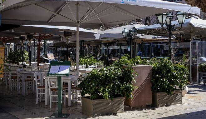 Στιγμιοτυπα από το κεντρο της Αθήνας.