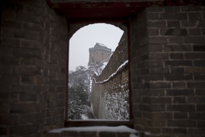 Φωτογραφία από το παράθυρο πύργου, μέρους του Σινικού Τείχους στη νότια Κίνα