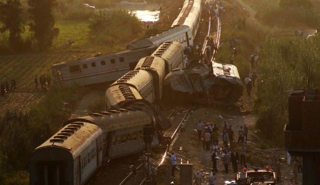 Αίγυπτος: Σύγκρουση τρένων με 42 νεκρούς και 133 τραυματίες